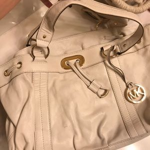 White Micheal kors purse